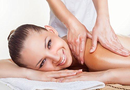 Deluxe Aroma Massagekerze Herzerwärmend, pflegendes Massagewachs in goldener Dose, Massage Duftkerze aus natürlichen Soja & Kokosölen - 3
