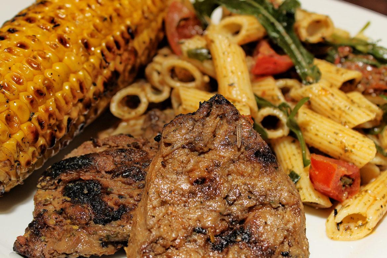 Vegan / vegetarisch grillen mit Steaks aus Soja