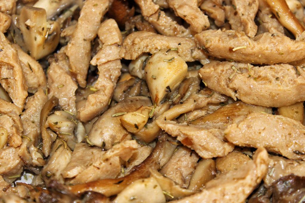Pilzpfanne mit Sojaschnetzel - vegan, glutenfrei & zuckerfrei