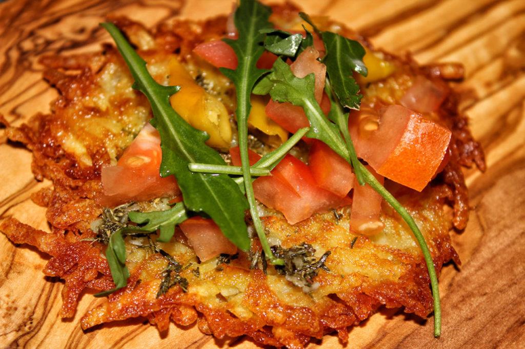 Reibekuchen-Pizza aus frischen Kartoffeln ohne Mehl und Ei