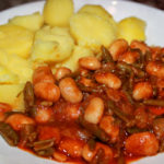 Vegane Bohnenpfanne mit Kartoffeln