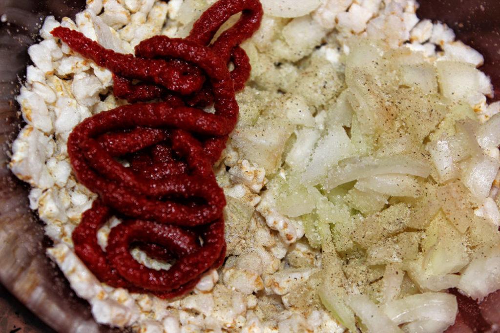 Veganes Mett. Hackepeter aus Reiswaffeln