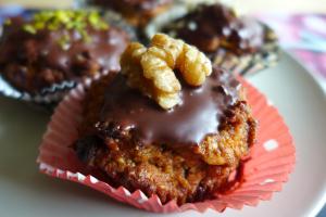 Vegane Möhrenmuffins mit Walnuss