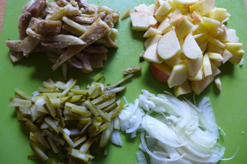 Zutaten für einen veganen Heringssalat