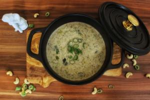 Vegane Käse-Lauch-Suppe mit Hackfleisch - vegetarisch, glutenfrei und ohne Zucker