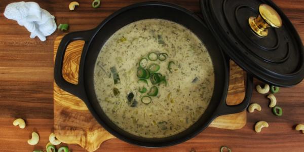Vegane Käse-Lauch-Suppe mit Hackfleisch – vegetarisch, glutenfrei und ohne Zucker