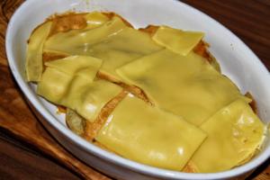 Veganer Kartoffelchips-Auflauf - kleiner Snack ohne Kochen