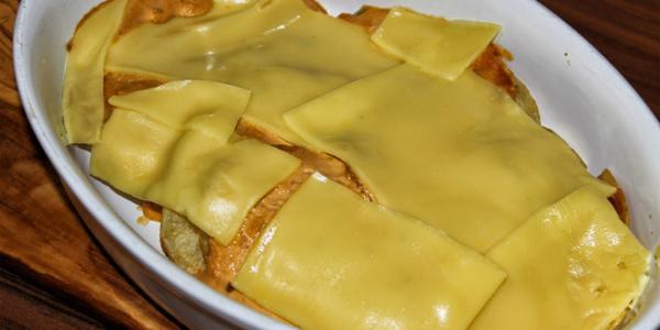 Veganer Kartoffelchips-Auflauf – kleiner Snack ohne Kochen