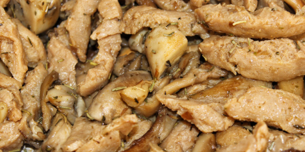 Pilzpfanne mit Sojaschnetzel – vegan, glutenfrei & zuckerfrei