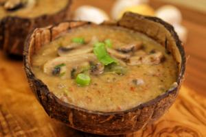 Fruchtige Kartoffel-Champignon-Suppe - vegan & glutenfrei