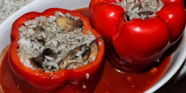 Gefüllte Paprika mit Champignon und Reis