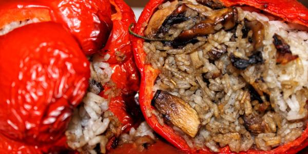 Gefüllte Paprika mit Champignons und Reis – vegan & glutenfrei