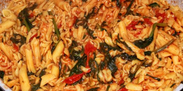 Rezept für glutenfreie Pasta mit Spinat und Rucola