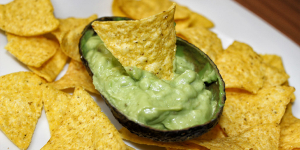 Guacamole – Avocado Dip mit Tortilla Chips