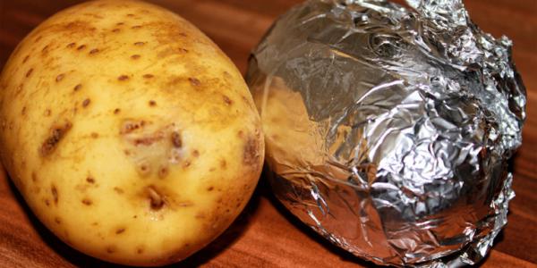 Ofenkartoffel in Alufolie