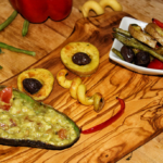Mediterranes Ofengemüse mit Guacamole - vegan