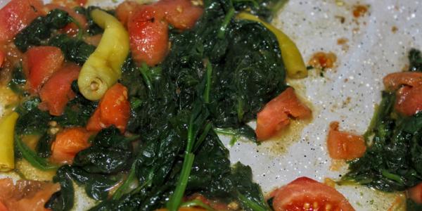 Peperoni Spinat Tomaten Pfanne – vegan, glutenfrei & zuckerfrei
