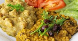Rote-Linsen-Curry mit Rosinen und Kokosmilch - afrikanischer algerischer Art - vegan