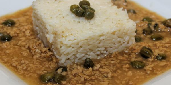 Sojahack-Karpersosse mit Reis – deutsche Küche