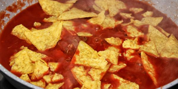 Mexikanische Tortilla Sprossen Tomaten Pfanne