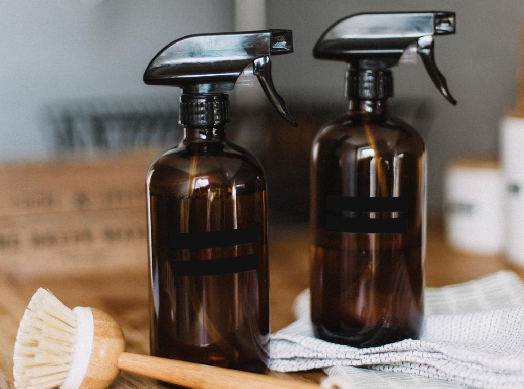 Deospray selber machen mit Sprühflasche