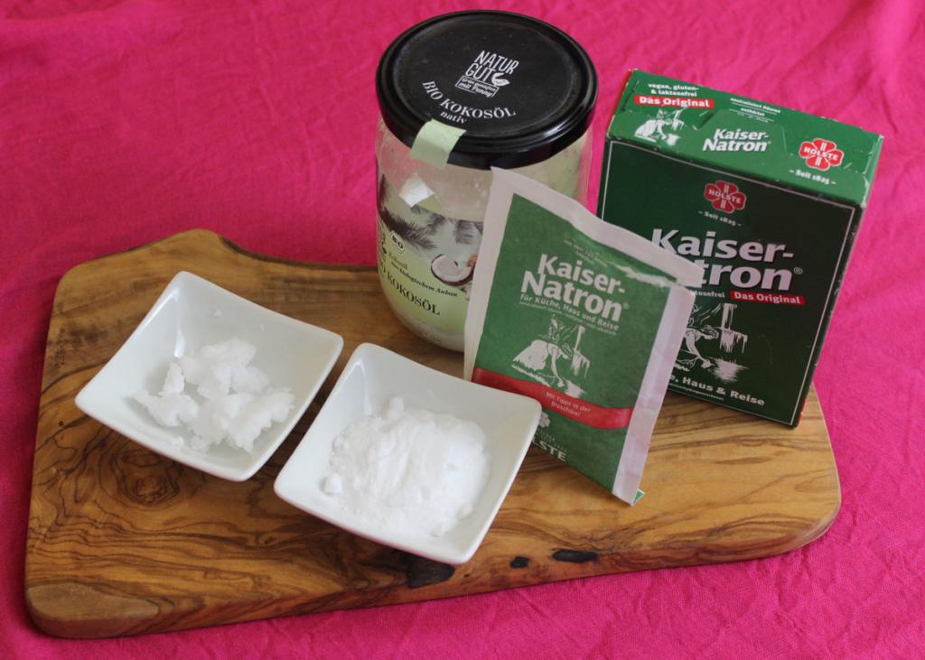 Do it yourself Zahnpasta mit Natron und Kokosöl